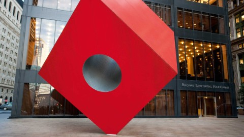 Image: Isamu Noguchi's abstract artwork Red Cube in front of 140 Broadway.